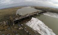 В Павлодарской области началась стыковка самого крупного моста в Центральной Азии